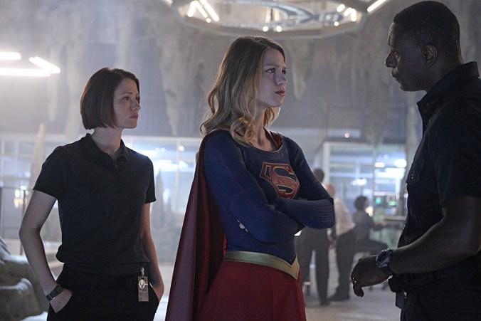 supergirl-1x01d
