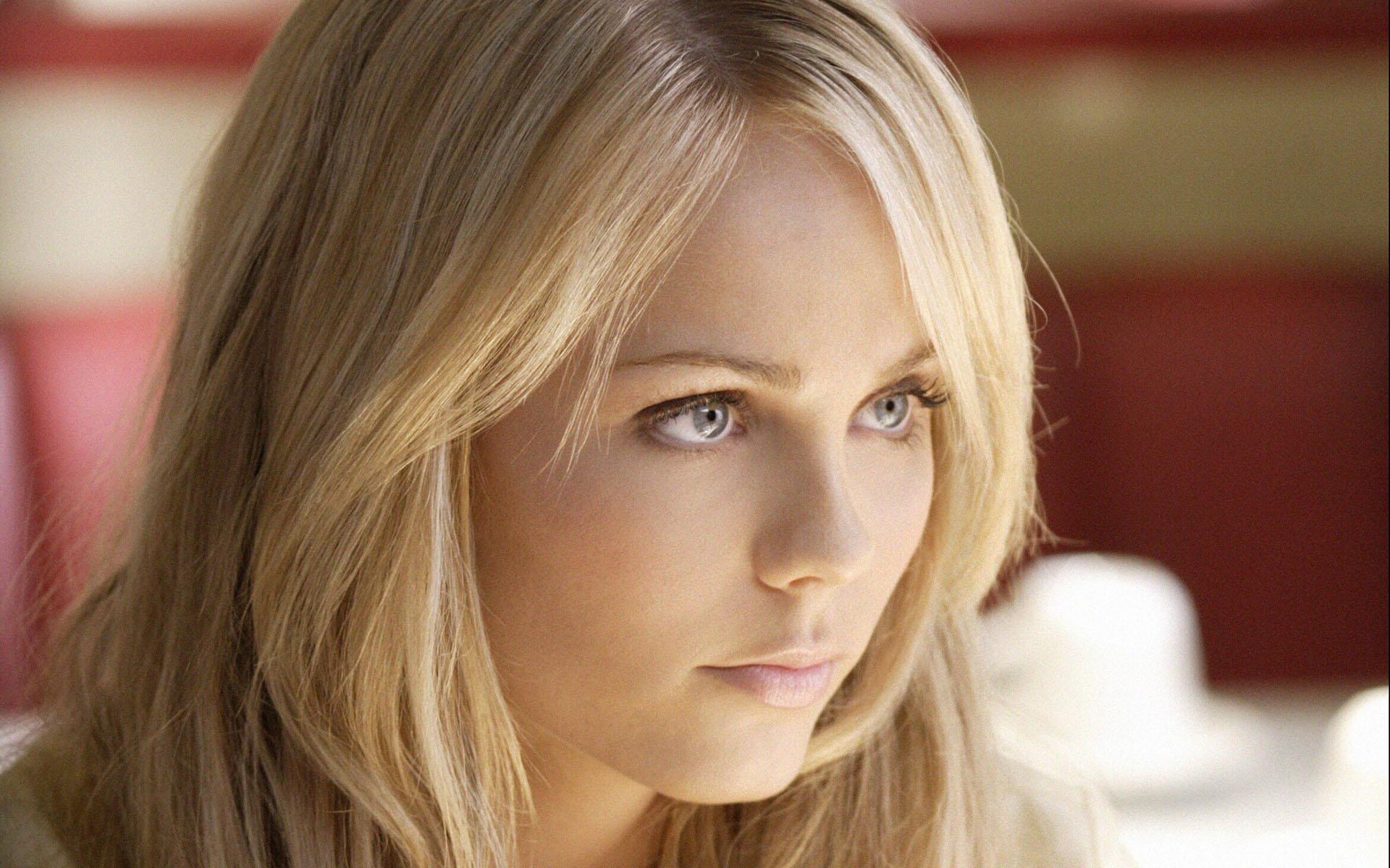 Smallville Actrice Laura Vandervoort Gecast In