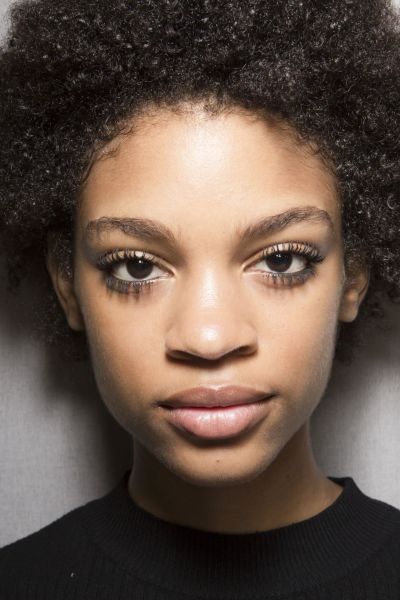 Beauty 2018 is about natural beauty. For hair, makeup and skincare we want to use less, enhance what you have more, and use natural ingredients to get you there. Check out this amazing list of what is hot for your beauty in 2018.