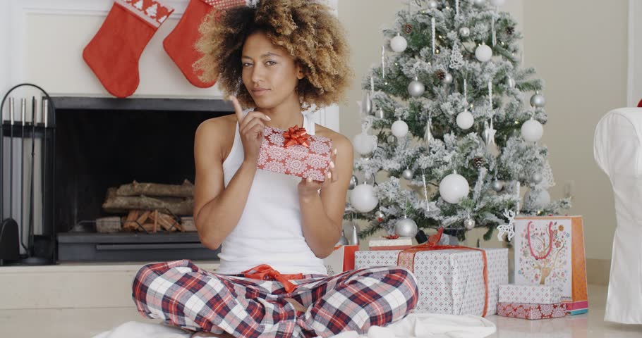 Black Girl Gift Guide For The 2018 Holiday Season!