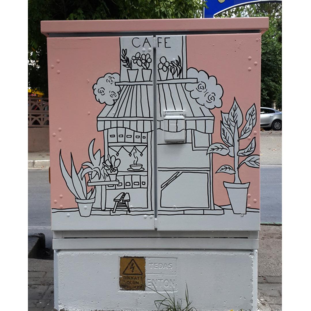 Elif Akay ve Aek Creative Bursa Bürsu Belediyesi Boyanmış Trafoları