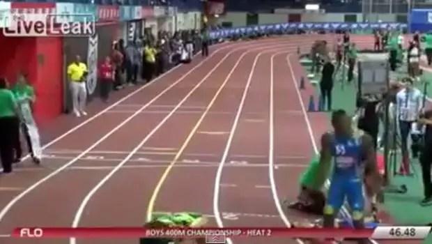 atleta derrubado