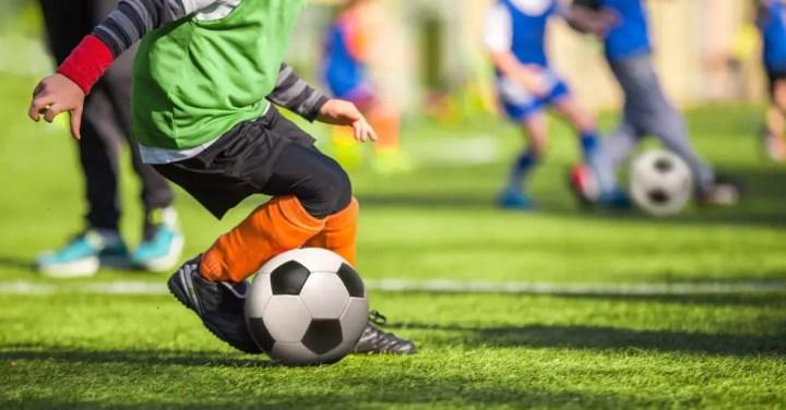Resultado de imagem para foto de escolinha de futebol