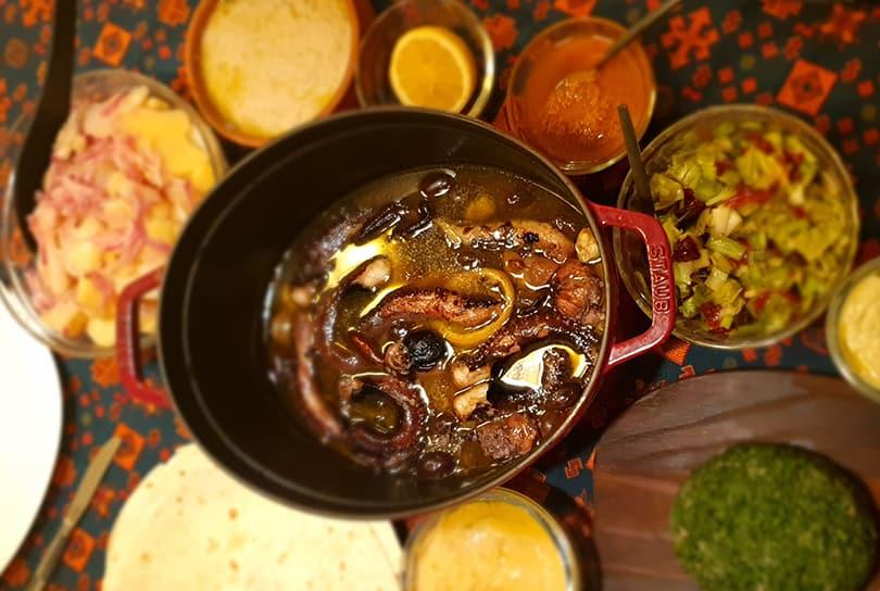 recept-hobotnica-iz-staub-cocotta-liveno posuđe-najbolja hobotnica