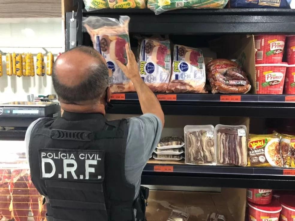 Quase duas toneladas de carne são apreendidas e homem é investigado por fraude, na PB