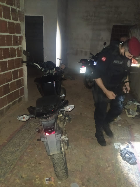 Policiais do BOPE recuperam duas motos com queixa de roubo e furto em Cajazeiras
