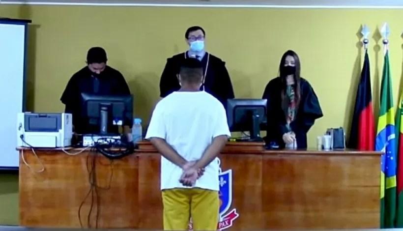 Réu confessa crime de homicídio durante júri e pede para ser condenado, em Conceição