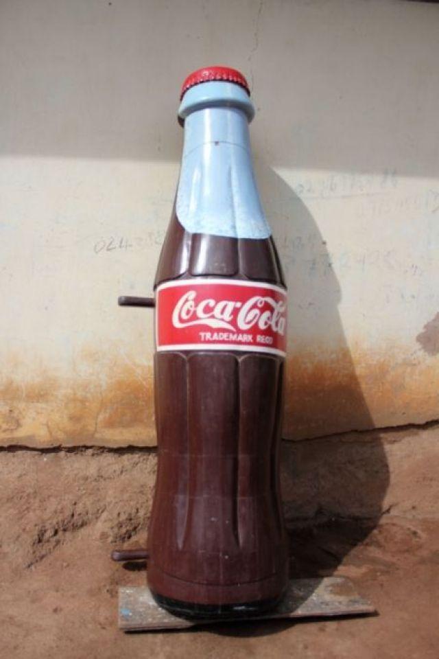 Peti Mati Bentuk Coca Cola