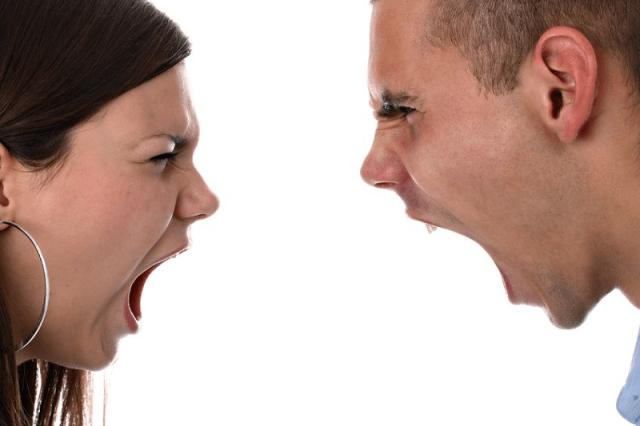 Kalau sama-sama teriak, siapa yang mau dengar? Gambar via: www.suckmydragonpunch.com