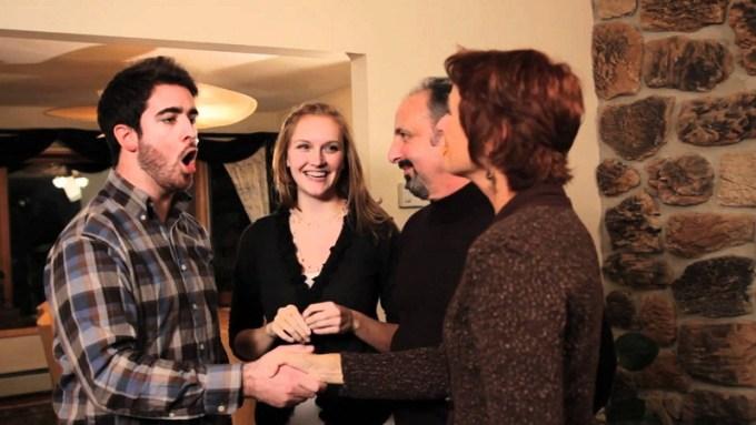 Pria memang harus extra hati-hati saat bertemu dengan calon mertua