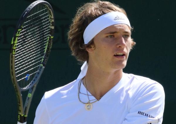Zverev dumps ailing Federer