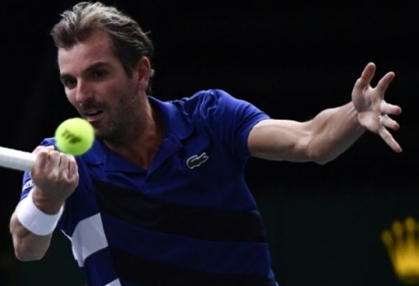 Paris agrees with Benneteau