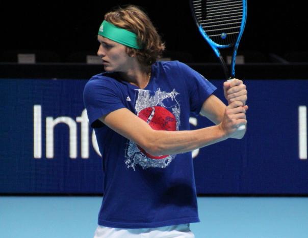 Zverev semifinals defeats Medvedev