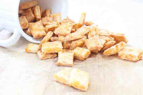 Homemade Cheez-Its!