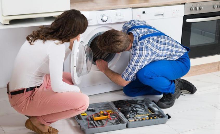 συντήρηση του πλυντηρίου από εξειδικευμένο τεχνικό της Service Point