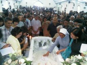 pemakaman romo sumarya t6