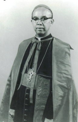 Kardinal Justinus Darmojuwono J0001