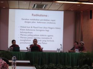 seminar mengenal islam radikal -2