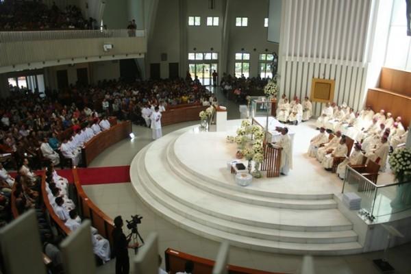 Gotaus misa uskup di kosambi 4
