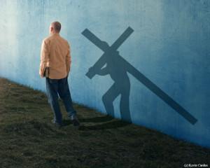 man-shadow-cross01s