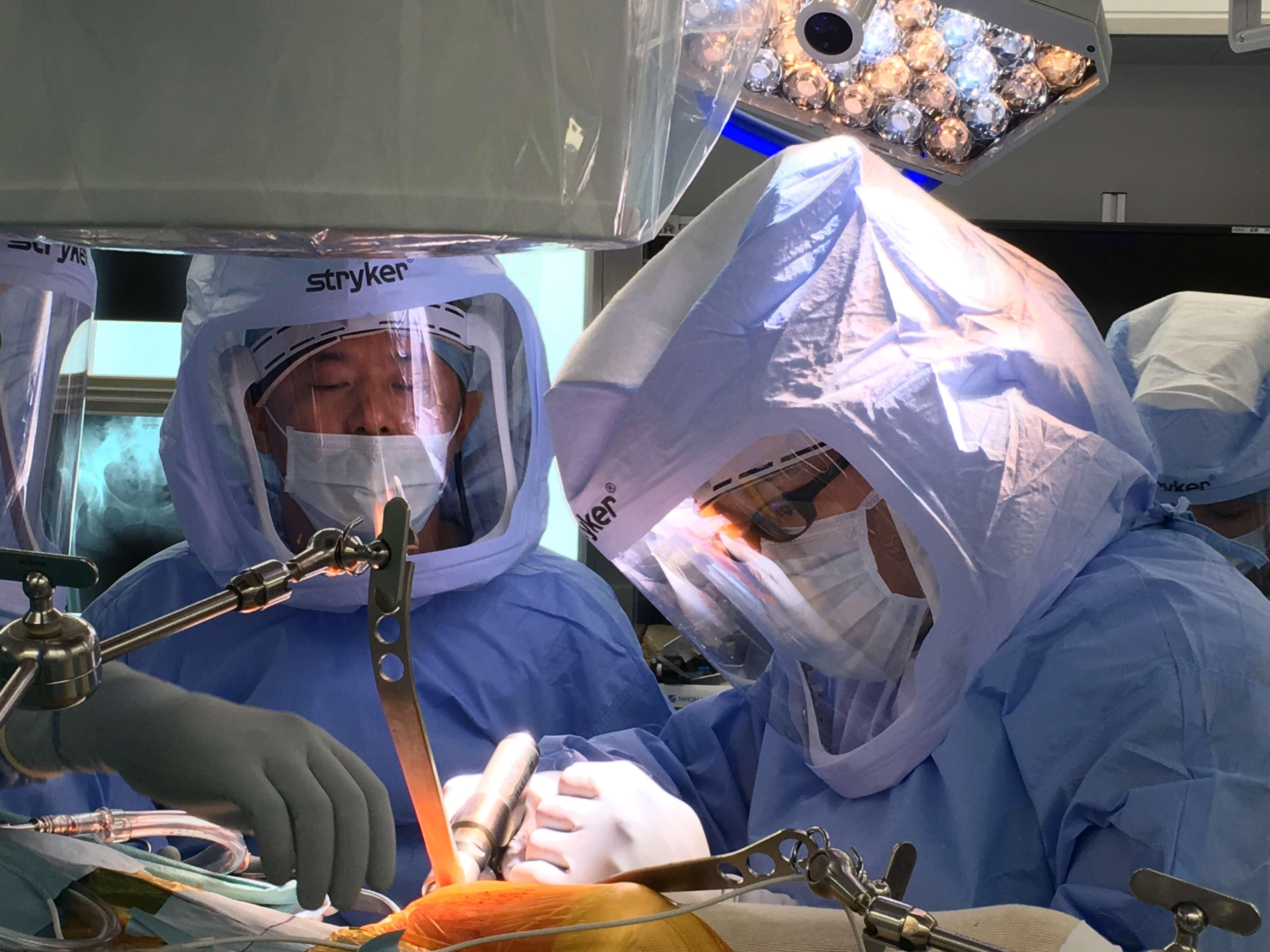 人工股関節置換術の手術見学11