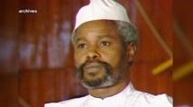 RETRO/Le Sénégal adopte une loi sur un tribunal spécial pour juger Hissène Habré