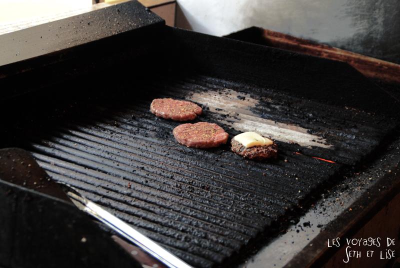 blog voyage canada montreal pvt couple tour monde photo grill steak bun burger