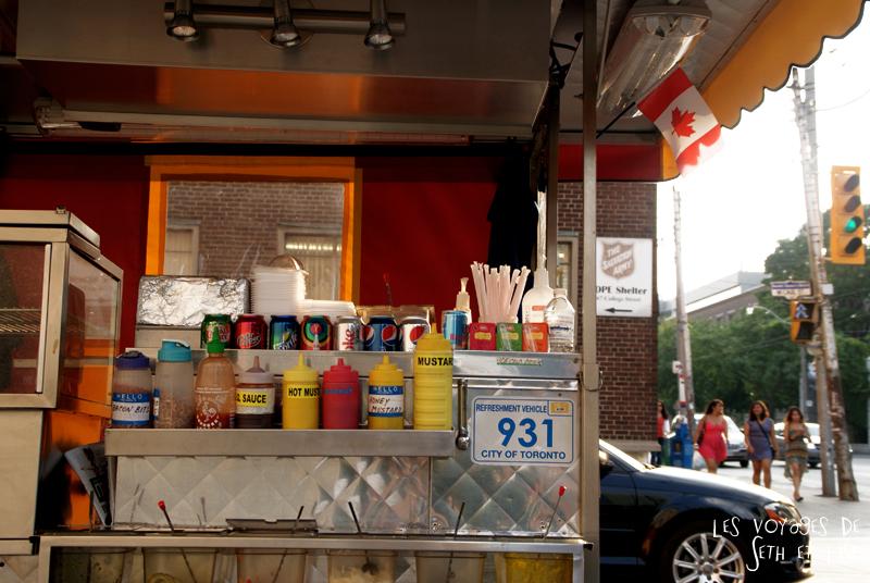 blog canada toronto pvt voyage whv backpack hotdog shop