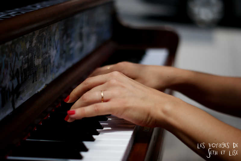 blog voyage piano street toronto play me i m yours pvt canada ontario couple travel art musique