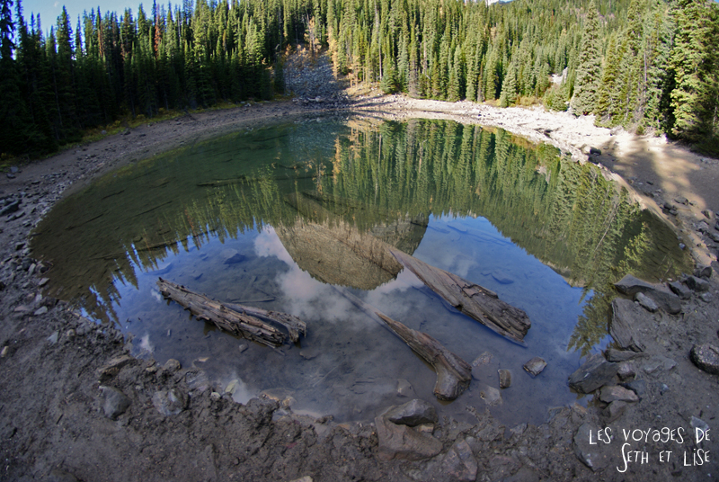 blog pvt photographie pvtiste canada alberta rocheuses rockies moutains voyage montagne couple tour du monde nature parc national lac lake mirror miroir 8mm