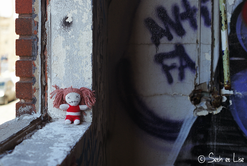 blog pvt canada montreal urbex streetart graffiti canada urban poupee