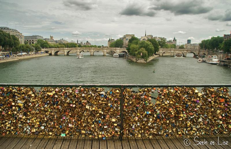 seth-lise-paris-love-lock-bridge.jpg