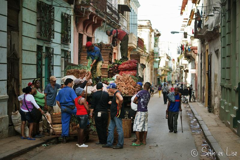 L'entraide et la débrouille cubaine en pleine action!