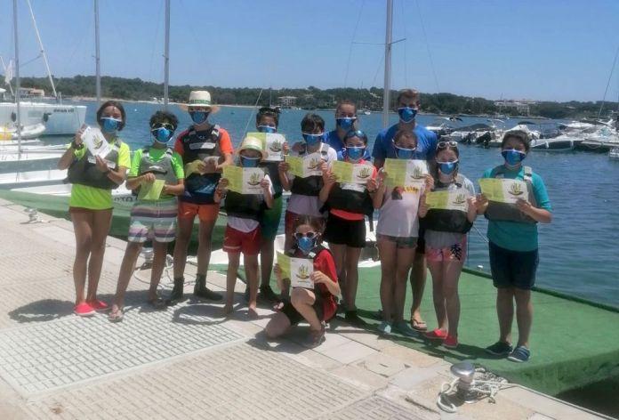 El Club Nàutic se suma a la campanya de la posidònia