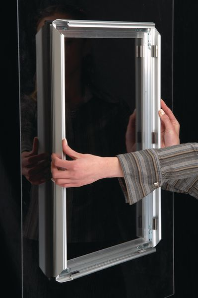 Porte Affiches Pour Vitres Avec Cadre Clic Auto Adhsif En