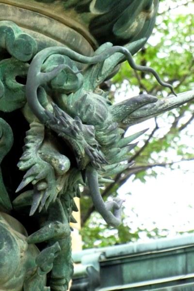 Konpira-san - First Steps - 12 - Dragon on Lantern