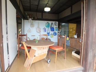 Onba Factory and Cafe - 4