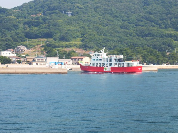 """The regular Meon (actually """"Meon 2"""") entering Megi Port. I can't usually see it as I'm usually on it."""