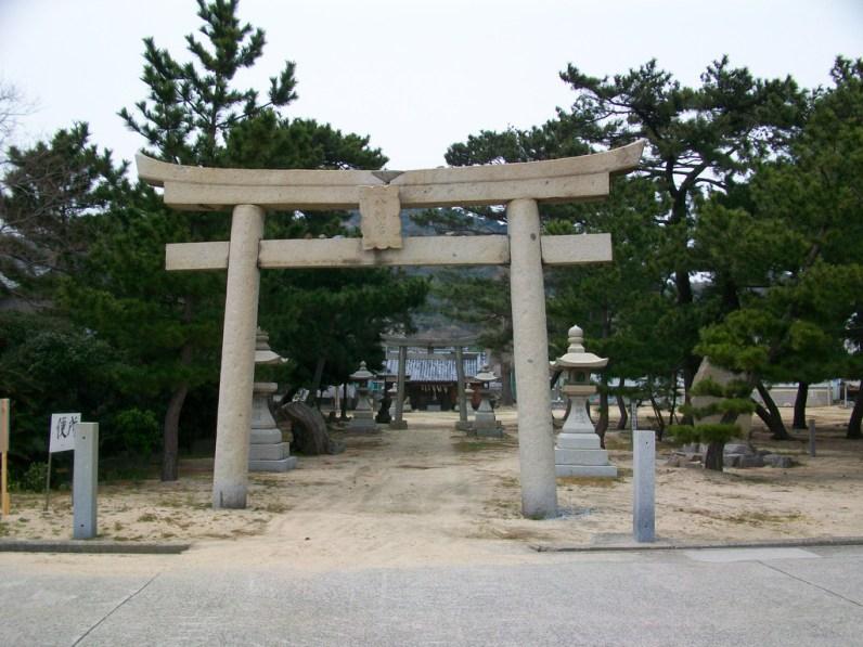 Torii to Hachiman shrine