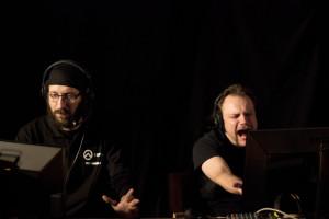 Insomnia XV verkkopelitapahtuma Porissa vuonna 2013. Kuvassa League of Legends -pelin selostajat.