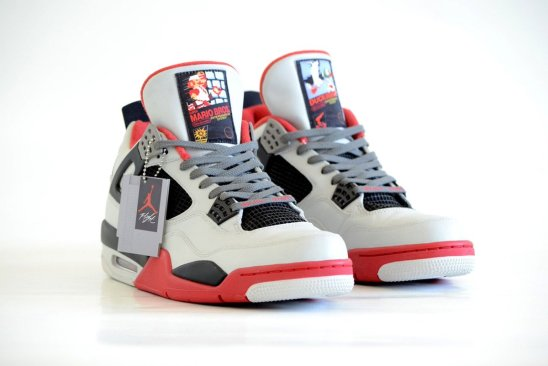 Mira estos Air Jordan con inspiración de Mario Bros