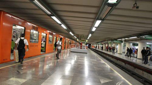 Golpean asaltan a más de 30 pasajeros del Metro de la línea B