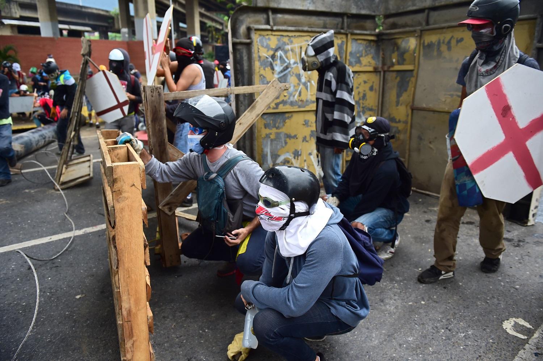venezuela-crisis-opposition-protest_16903110.jpg