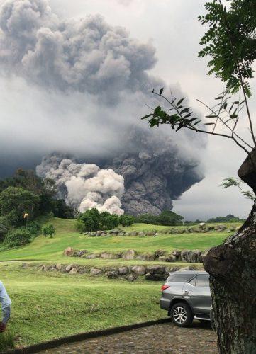 Fuerte-Erupcion-del-Volcan-del-Fuego-en-Guatemala-1