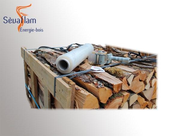 Filmage protection et transport palette   Sèvaflam - Bois de chauffage sur palette
