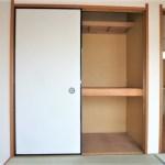 和室4.5帖の収納。たっぷり入ります!
