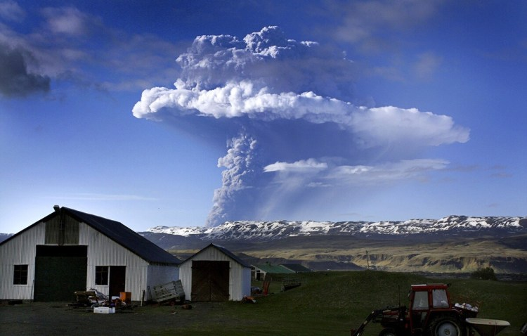 iceland-grimsvotn-volcano-eruption-start-2011