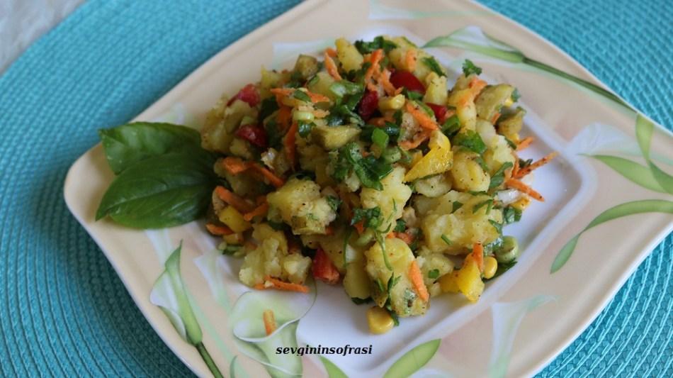 Sebzeli Patates Salatası