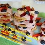 Gesunde Haferflocken Pancakes mit Erdbeer-Quark-Soße