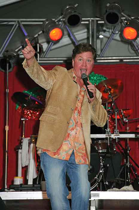 Dennis Lee will perform at the Gatlinburg Craftsmen's Fair